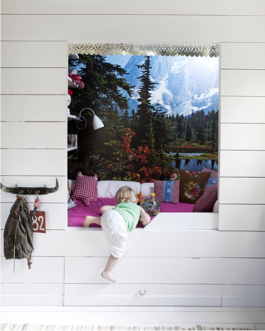 Platz ist in der kleinsten (Alm-)Hütte für das Windel-Engerl. Foto © Martin Cederblad, Kinderkram, Gestalten 2018