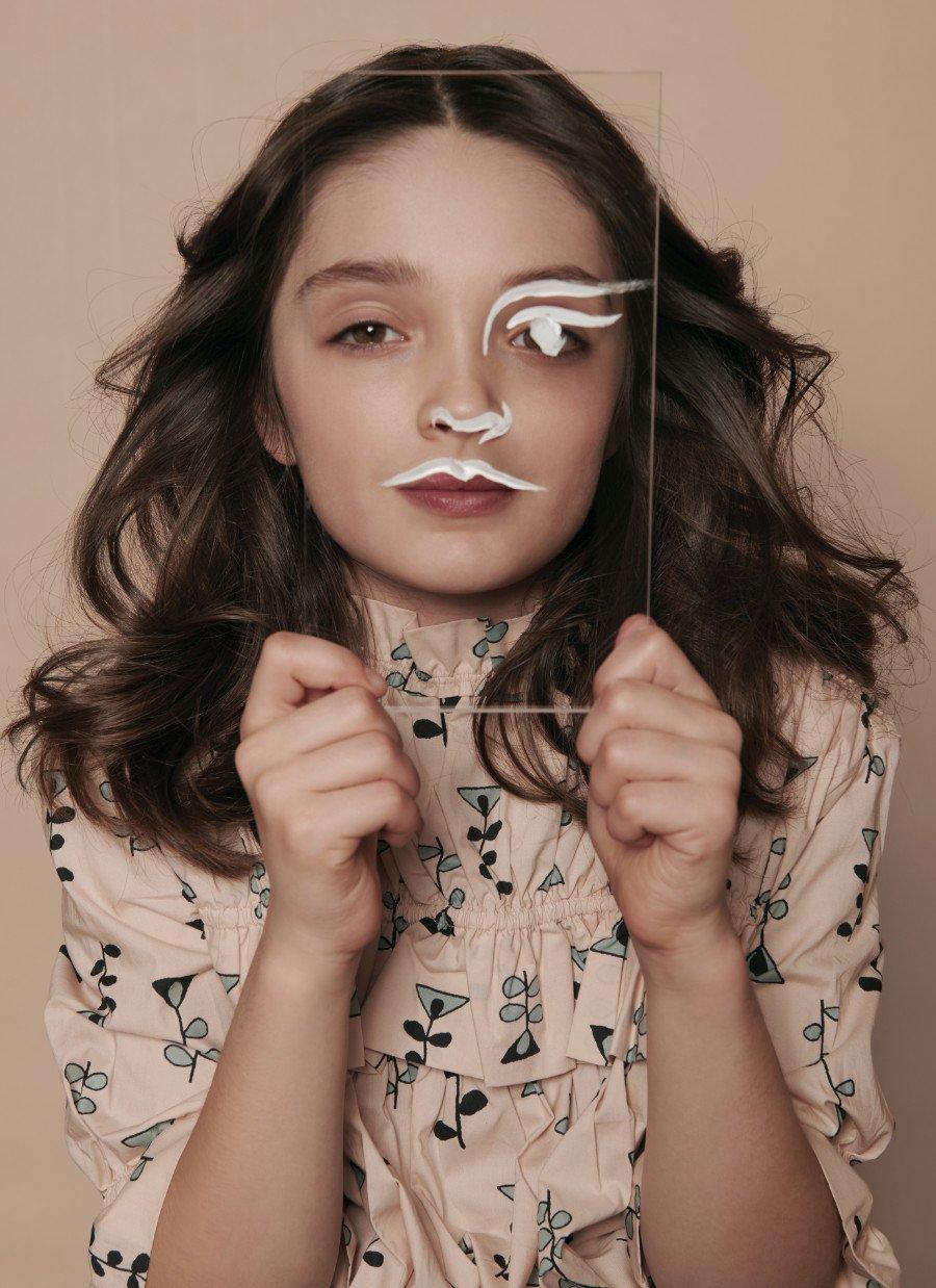Blumig, sinnlich, geheimnisvoll: Dunja Antićs Mode-Editorial feiert das Frühlingserwachen und zeigt die neuesten Schätze der Designer