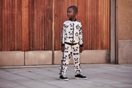"""Den kennen wir doch, oder? Der altbekannte adidas Originals """"Superstar Tracksuit"""" im Mini Rodini Panda-Design"""