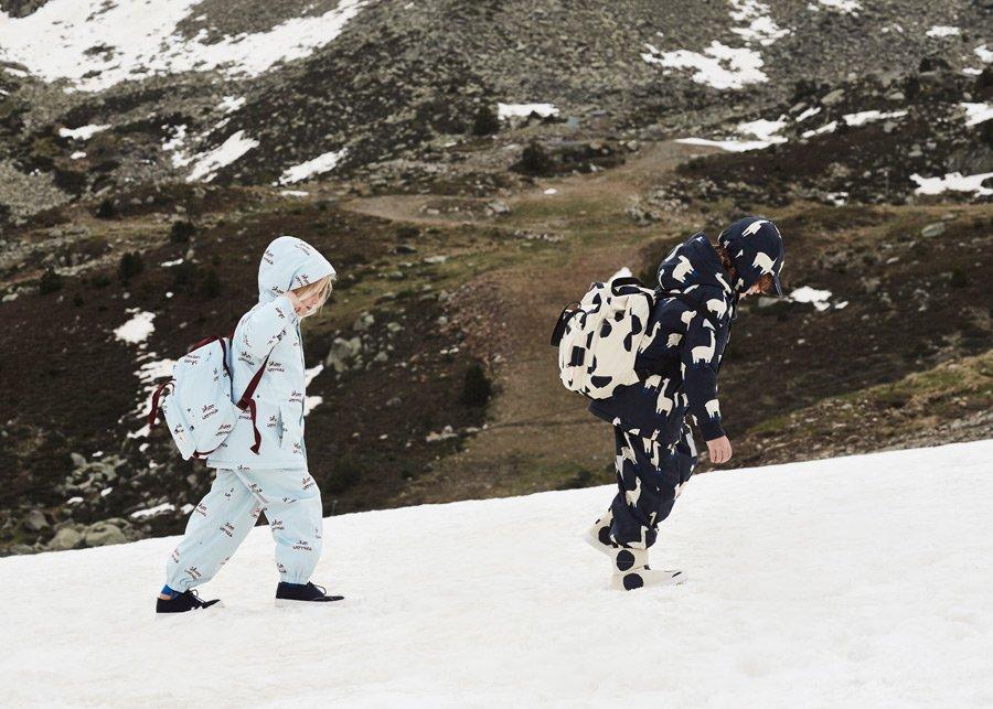 Schneewandern am Altiplano: mit dem Lama-Komplett-Look ist man auf der stilsicheren Seite