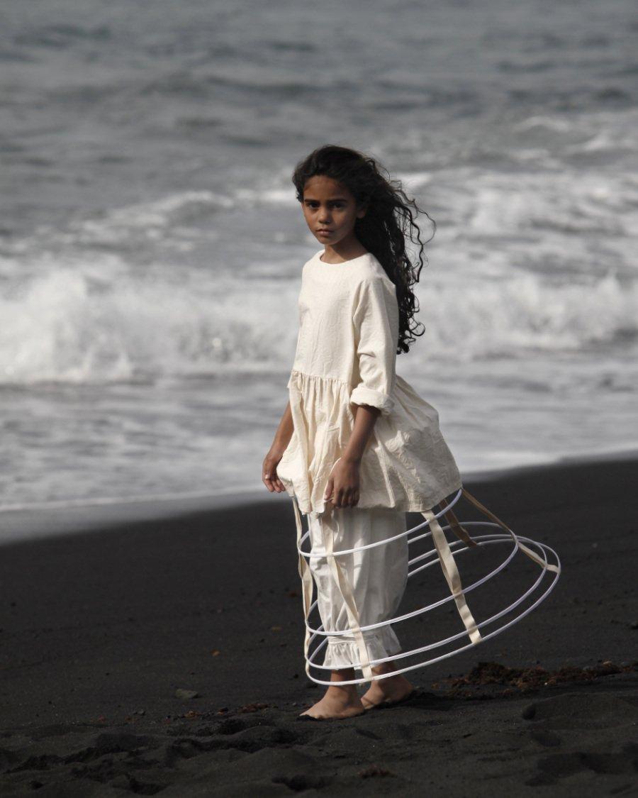 Wild-Romantisch: Auf Lanzarote hat Cristina Fernandez von Little Creative Factory ihre natürliche Kindermode authentisch inszeniert