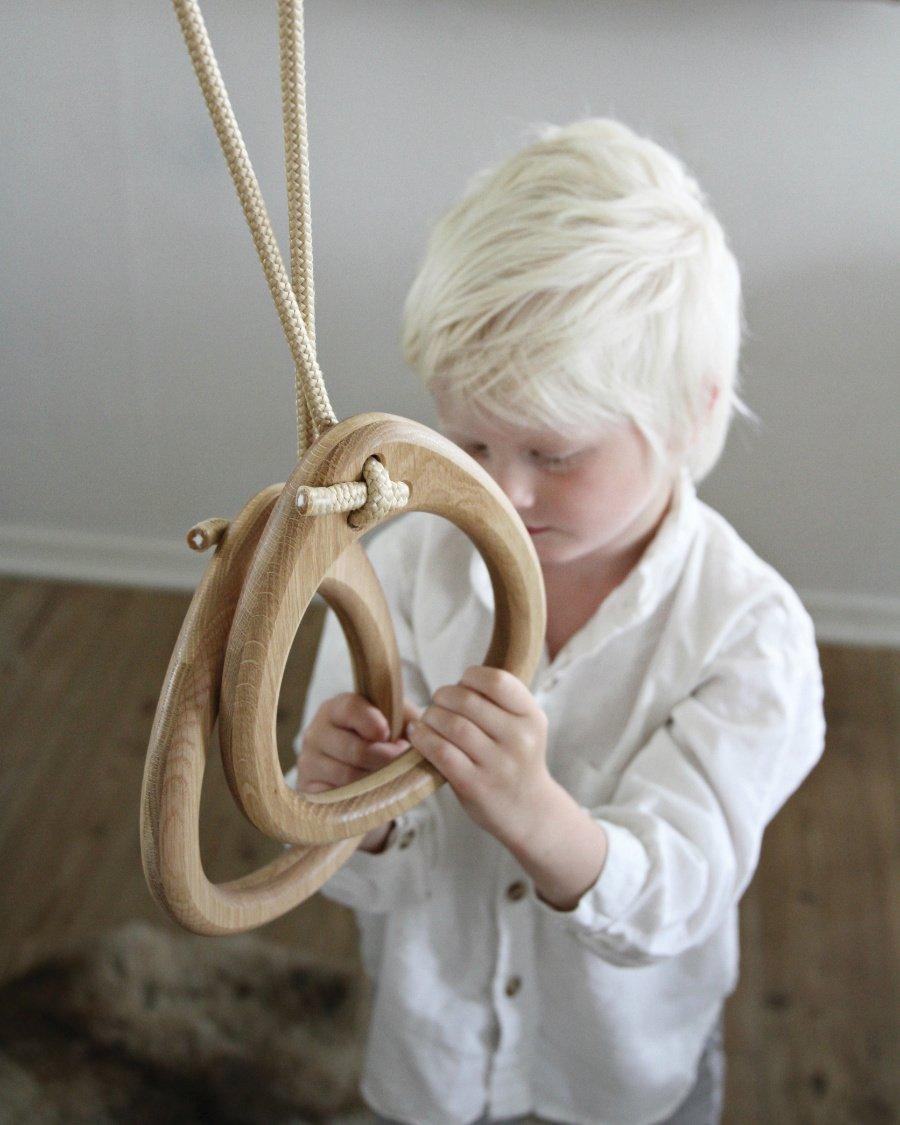 Herr der (Turn-)Ringe: Die ollen Sportgeräte aus der Schule in einer upgedateten und stylischen Version von LILLAGUNGA