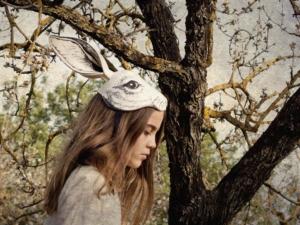 Ein absoluter Hingucker beim Ostereier suchen: das Headpiece aus Filz von Frida's Tierchen – Photo by © Frida's Tierchen