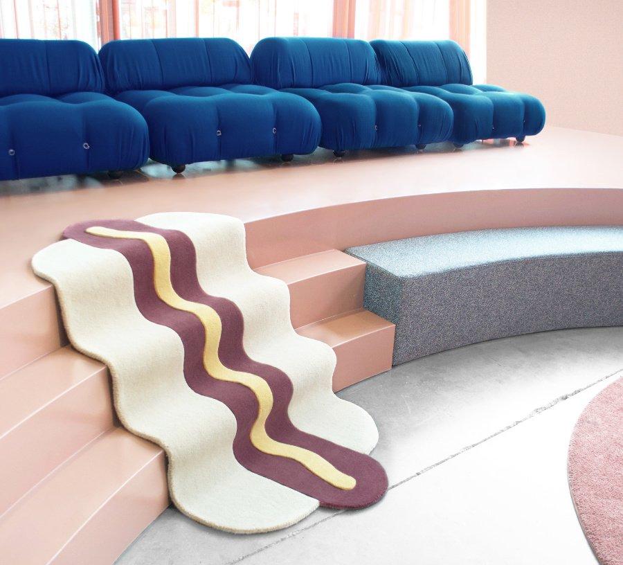 Teppiche für Kinder, die Appetit auf Einrichten machen: Der Hot Dog Rug im typisch minimalistischen Design von MAISON DEUX
