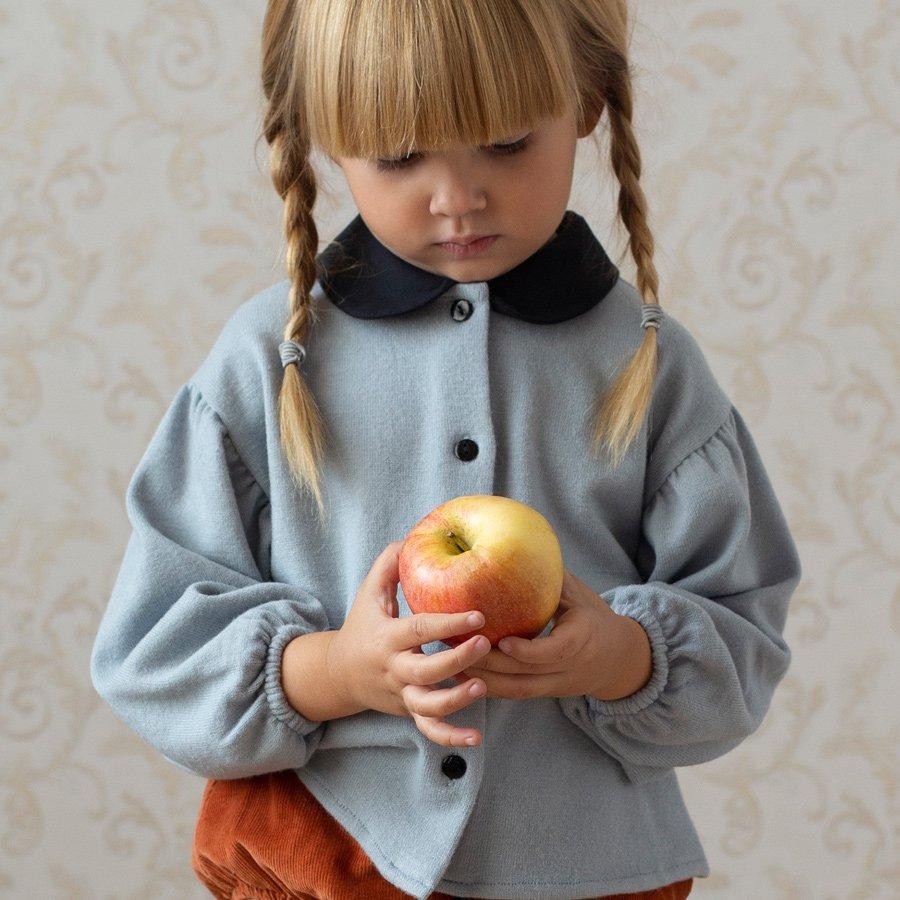Äpfel im Herbst: Auch das spanische Label Popelín ist fasziniert von ihrer Farbpracht