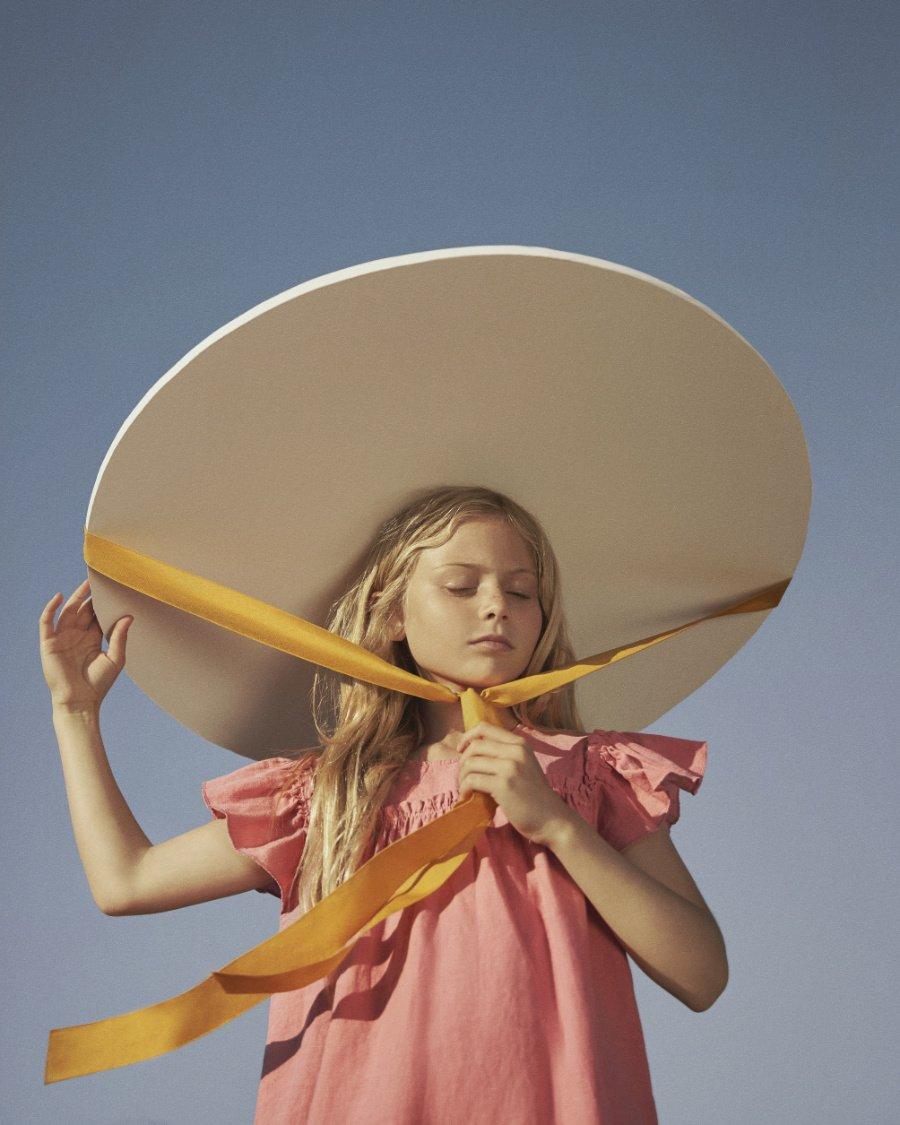 Scarlett O'Hara 2020! Die Neo-Romantik von THE NEW SOCIETY hat Fotografin Lois Moreno in puristischen Bildern eingefangen