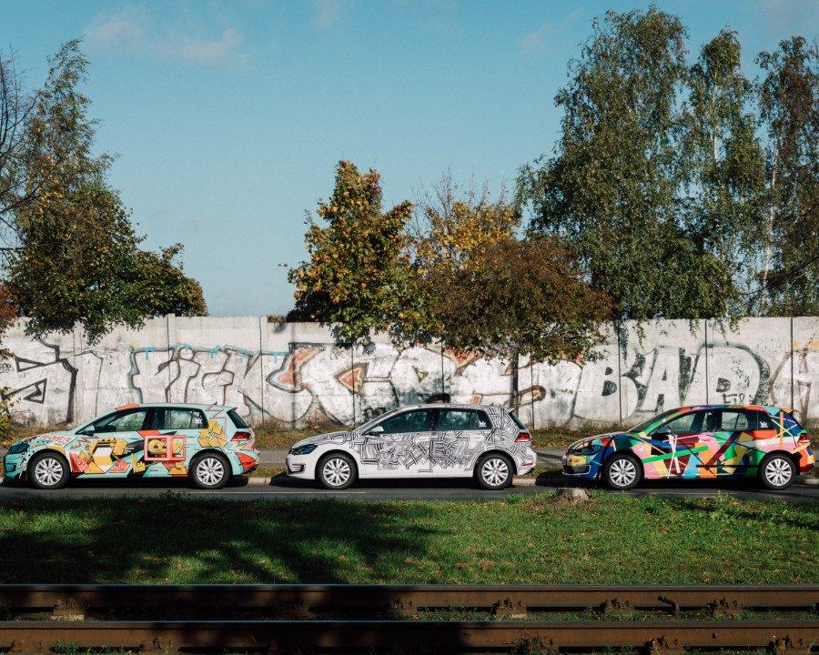 Die Drei von der Zapfsäule: Streetart in Berlin gibt es nicht nur an der Mauer, sondern auch zum Losdüsen ...
