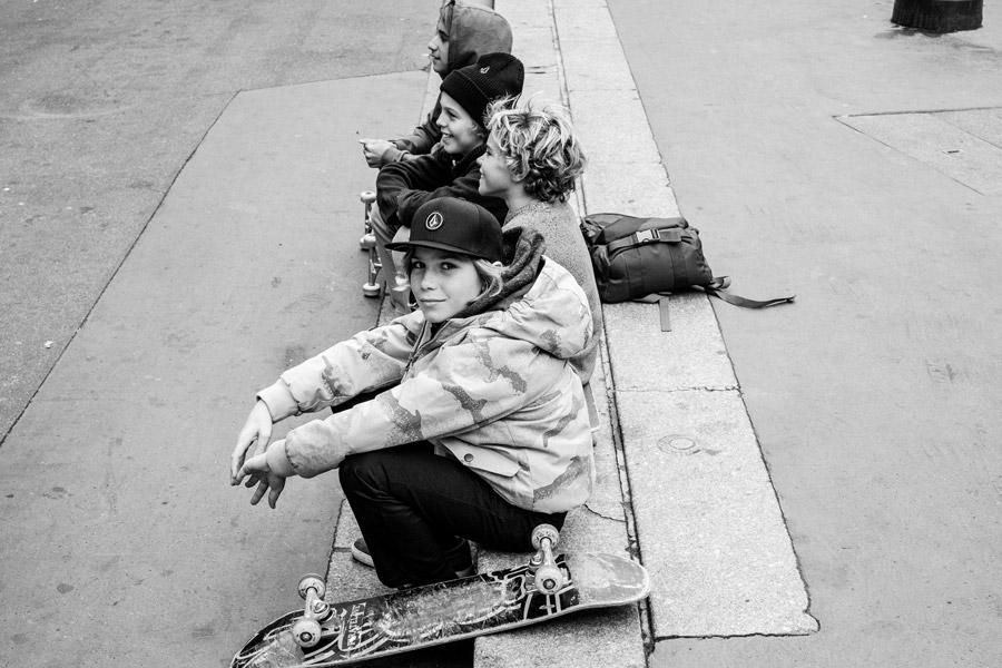 Nicht nur cool, sondern auch wärmend – die Funktionsjacken für den Skaternachwuchs. Photo © Sergio Villalba