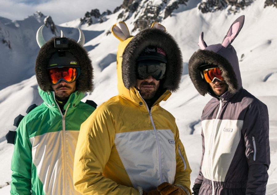 """Ed, Matt und Will – die drei """"Muske-Ski-Tiere"""" sagen langweiligen Schneeklamotten den Kampf an"""