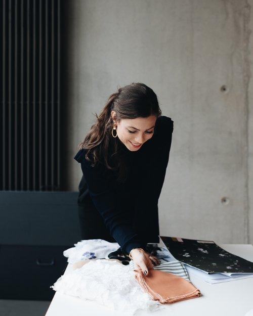 Gibt der Mode ihre Würde zurück: IVY & OAK Gründerin Caroline Gentz