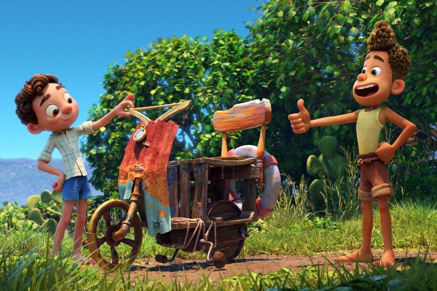 Vespa è libertà! Auch wenn nur Marke Eigenbau, fühlen sich Luca und Alberto ihrem Freiheitstraum schon sehr nahe © Disney/Pixar