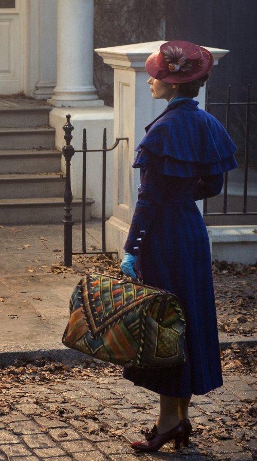 Bringt Heiterkeit in ihrer Zaubertasche mit: Emily Blunt im neuen Mary Poppins Film © Jay Maidment, 2017 Disney Enterprises, Inc.