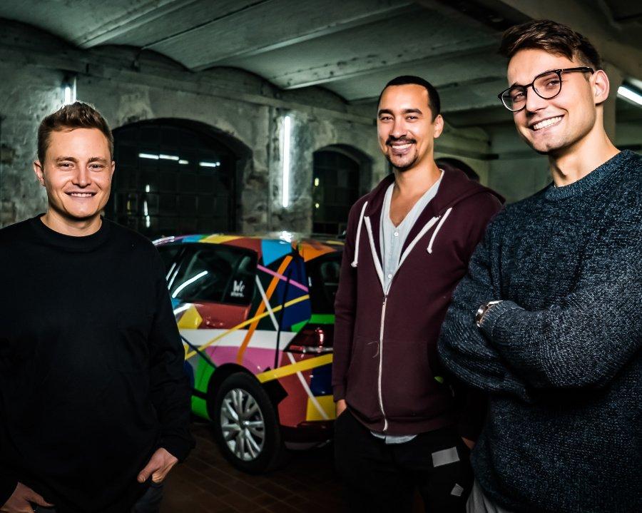"""Drei Künstler und ihr elektrisierendes """"Art Car"""" – Streetart in Berlin war noch nie so laut und leise zugleich"""