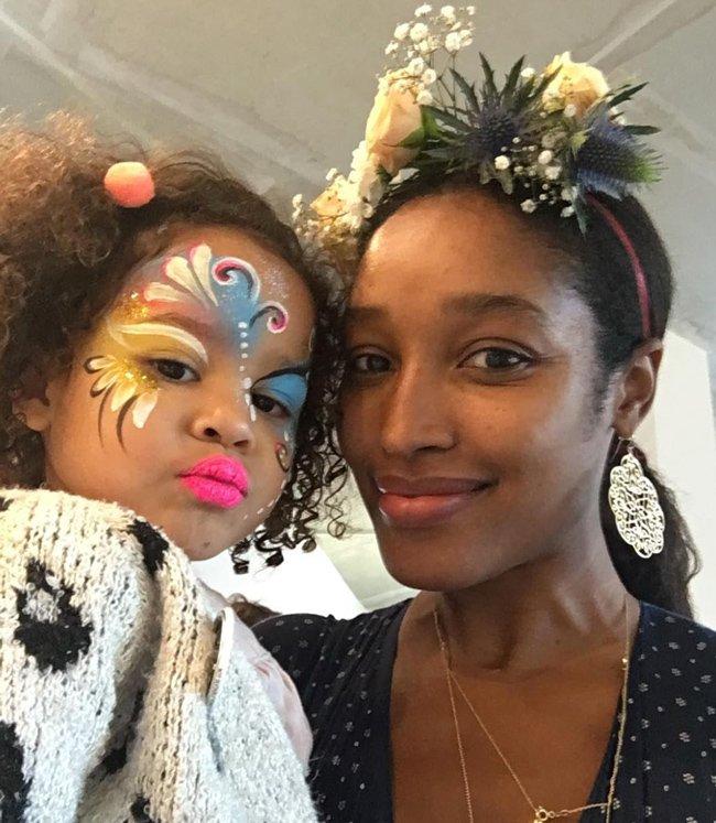 Shirley Erskine-Schreyer mit Tochter Bella bei der Wunderhaus-Opening Party