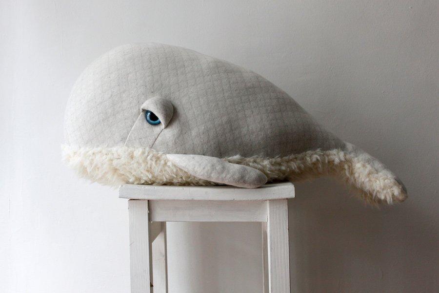 Auch er sucht nach einem neuen Heim: Der knuffige Albino Bubble Whale © BigStuffed
