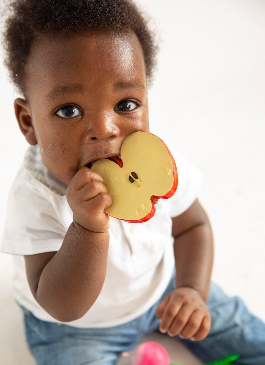 Beißen, Baden, Spielen: Pepita the Apple von Oli & Carol ist vielseitig einsetzbar