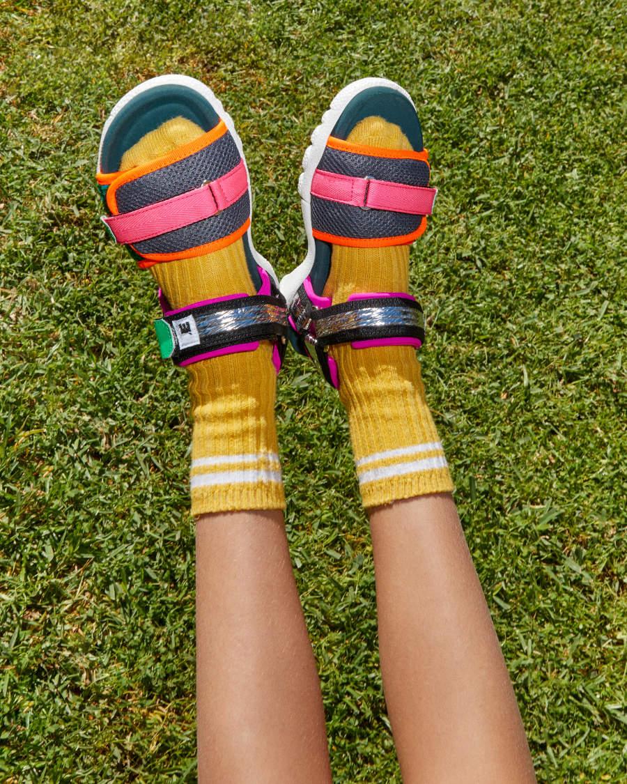 Pimpt jeden Touri-Style: Die Sneaker-Trekking-Sandale von MAISON MANGOSTAN