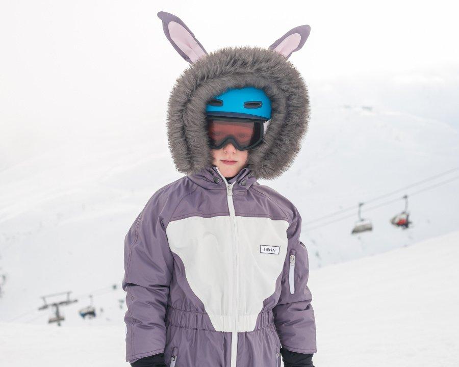 Riesige Lauscher und ein flauschiges Stummelschwänzchen, Hase HOP lässt Schnee und Firn dahinschmelzen