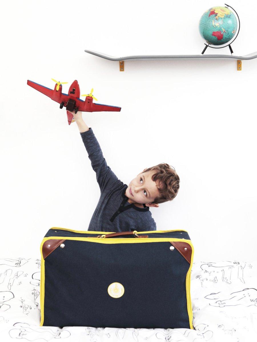 """War schon im Kino zu bewundern: Der faltbare Koffer für Kinder von Leçons de Choses hatte seinen Höhenflug in """"Le Petit Spirou"""""""