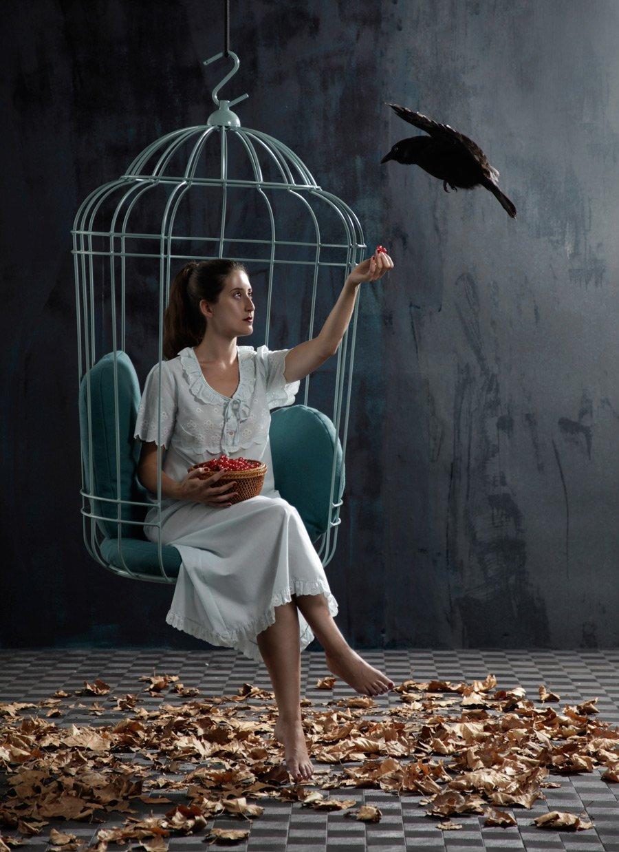 """Von der Fantasie beflügelt: Der """"Cageling"""" für die Hexenbuch-Lektüre von ONTWERPDUO. Foto © Lisa Klappe"""