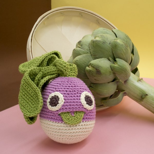 Philippe Turnip, die Steckrübe: MyuM MyuM kreiert ökologisches Spielzeug und holt das Suppengemüse aus seinem Schattendasein