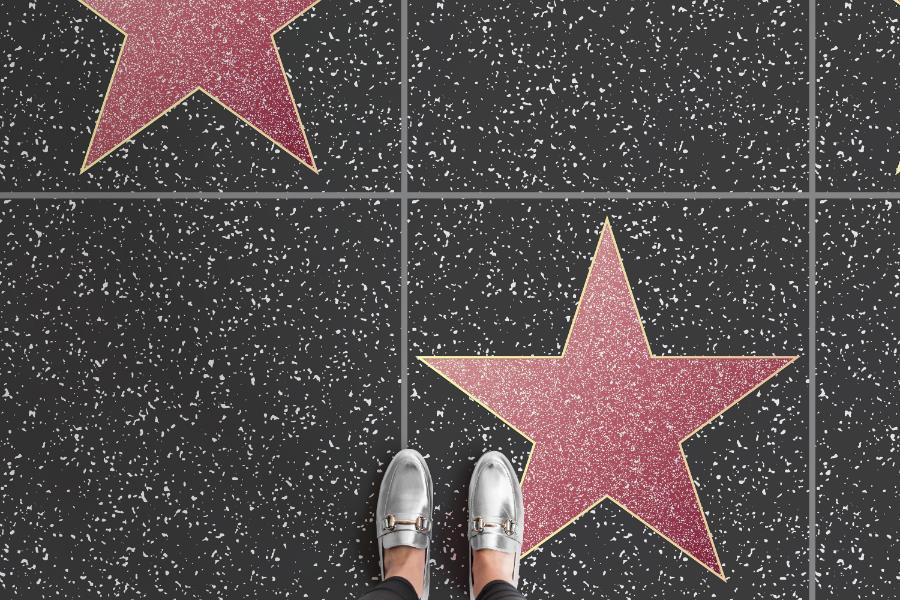 Geschenke für Filmfans: Welcome to Hollywood! Der Walk of Fame beginnt gleich hinter der Haustür. Image © Atrafloor