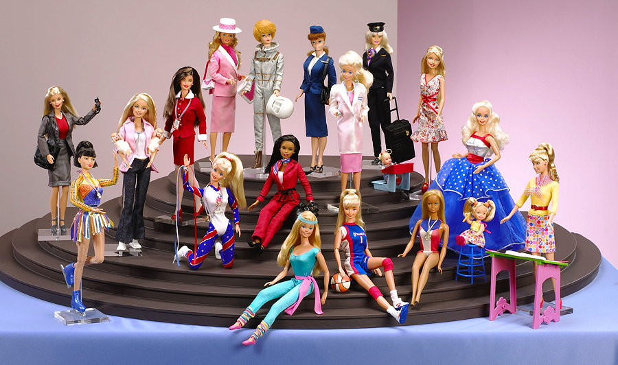 """The Sky is the Limit"" – Barbie und ihre Karrieren – Image © Mattel Inc."