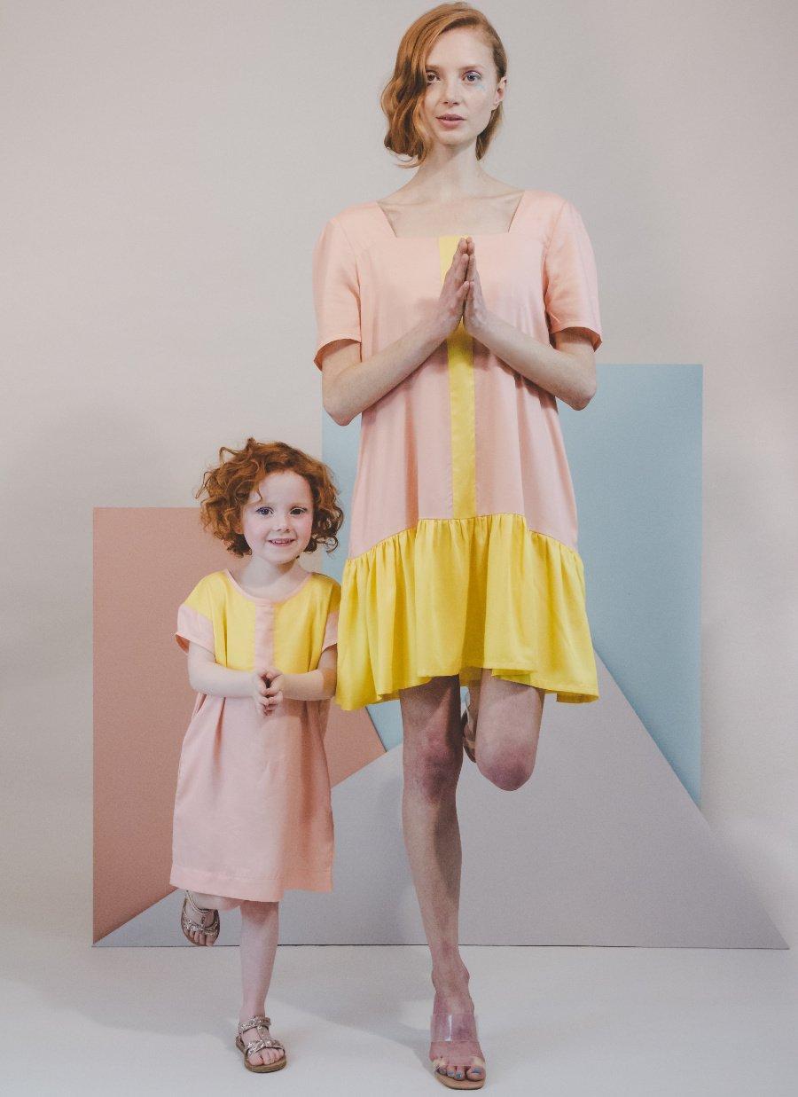 Komplementär-Yoga! ATELIER PARSMEI will mit seinen Mini Me-Entwürfen die enge Verbundenheit zwischen Mutter und Kind zelebrieren
