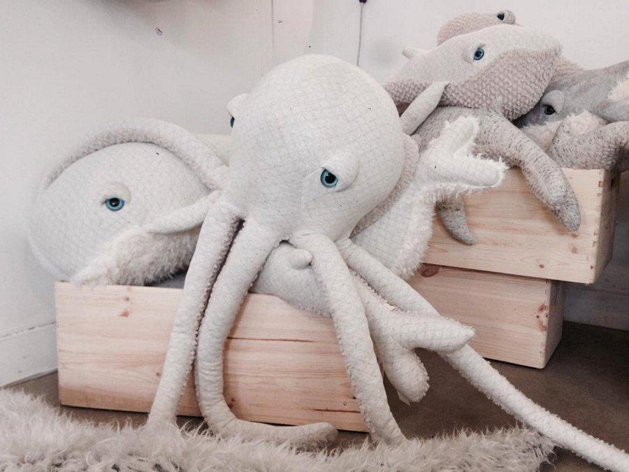 Das Meer im Kinderzimmer: Handgemachte Kuscheltiere von BigStuffed scheinen lebendig zu sein! © BigStuffed
