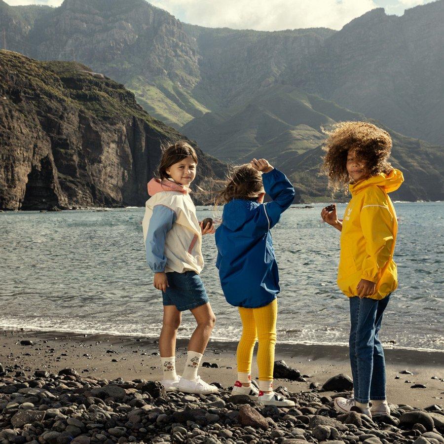 Wasserdichte Windbreaker von MINI RODINI für die stürmischen Tage im Sommer