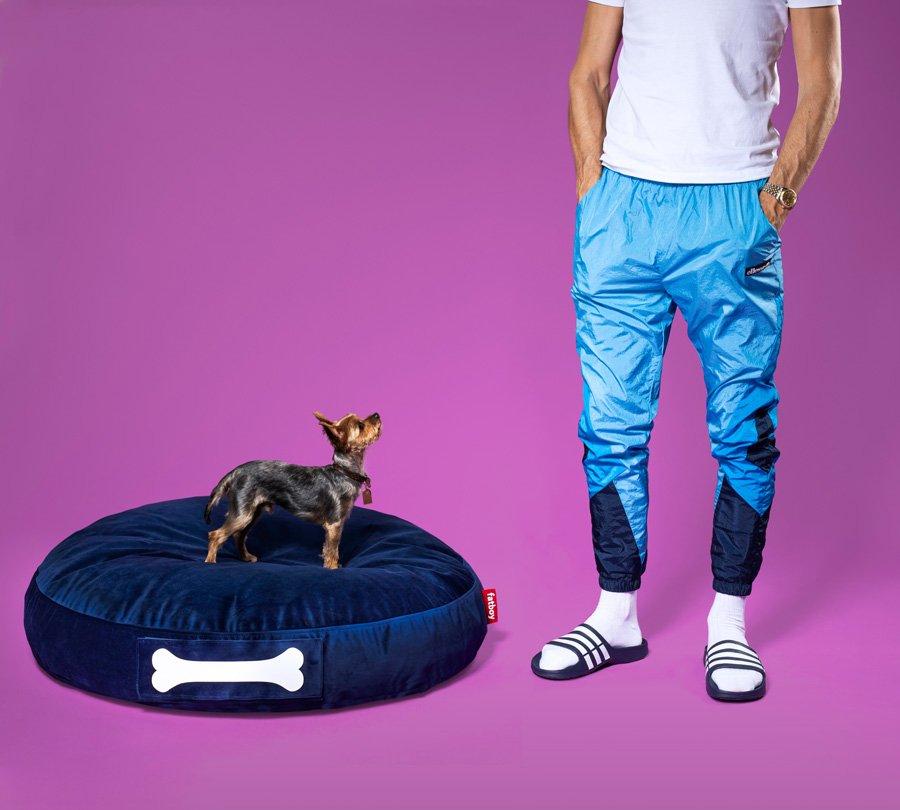05-slider-image-02-fatboy-doggielounge-velvet-dark-blue-new