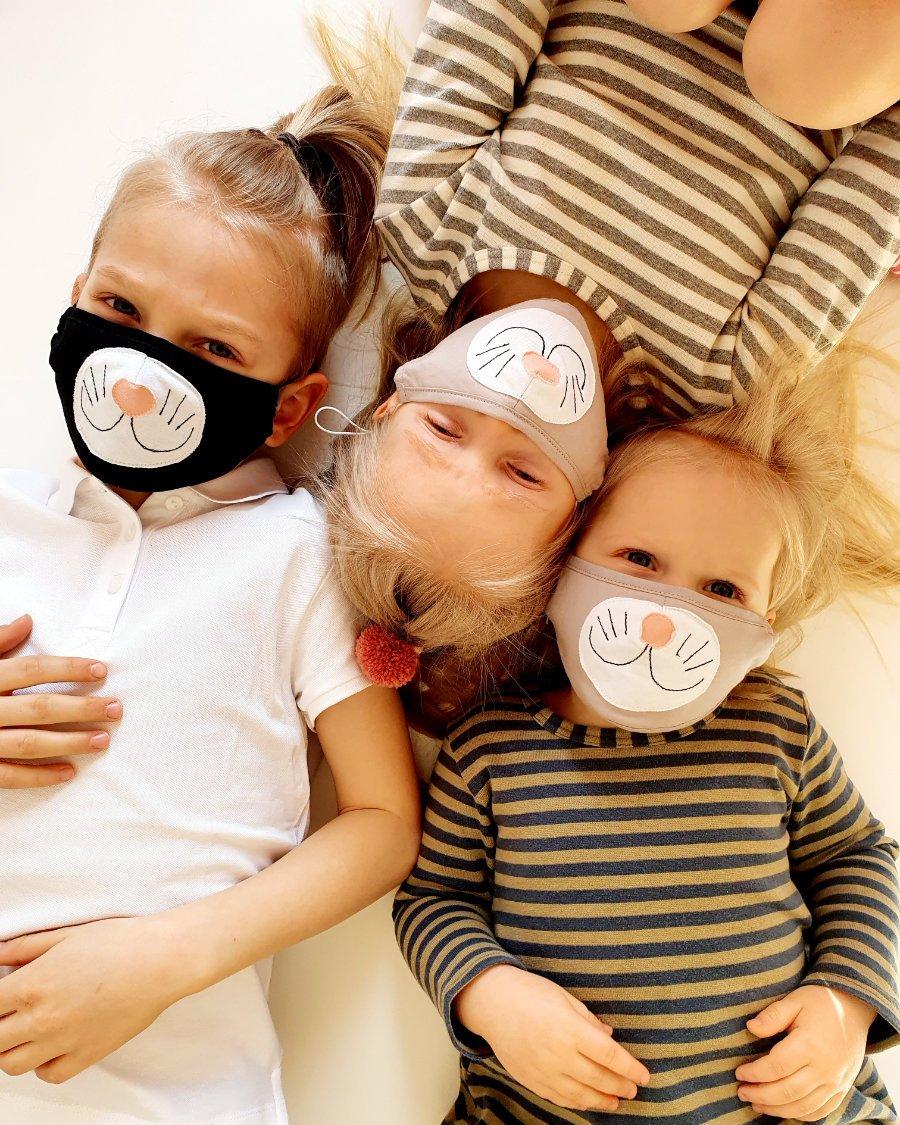 Lachen ist die beste Medizin! Die Kitty-Masks von ZAZA COUTURE helfen, wenn der Coronablues überhand nimmt