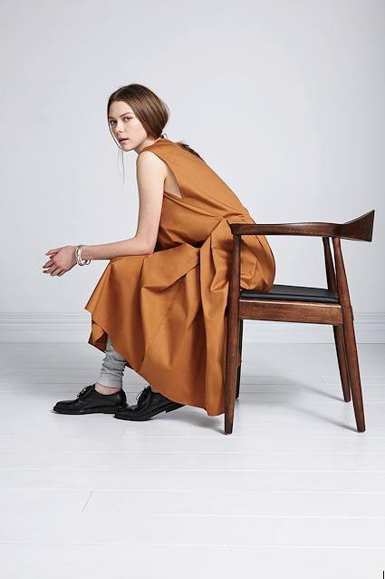 Kowtow: eine liebevolle Verbeugung vor den Menschen, die unsere Kleider machen – © Kowtow