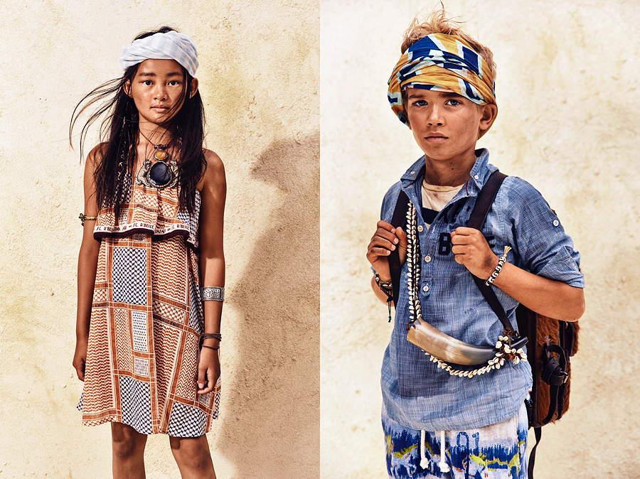 Desert Nomads – ein Kleid im Hamam-Style und ein Basic-Shirt in Kombination mit einer fantasievoll bedruckten Shorts