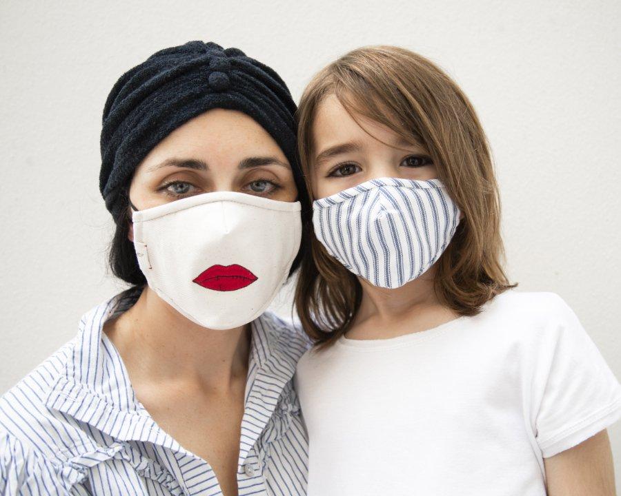 BILLIE BLOOMS hat Masken für alle, die auch in Corona-Zeiten nicht auf Lippenstift verzichten wollen