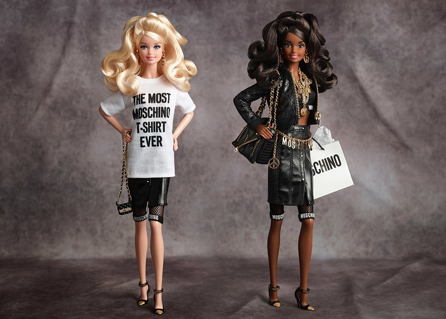 """Look at the shoes, that belt, her hair!"" – Die Moschino Barbie von Jeremy Scott – Image © 2015 Mattel Inc."