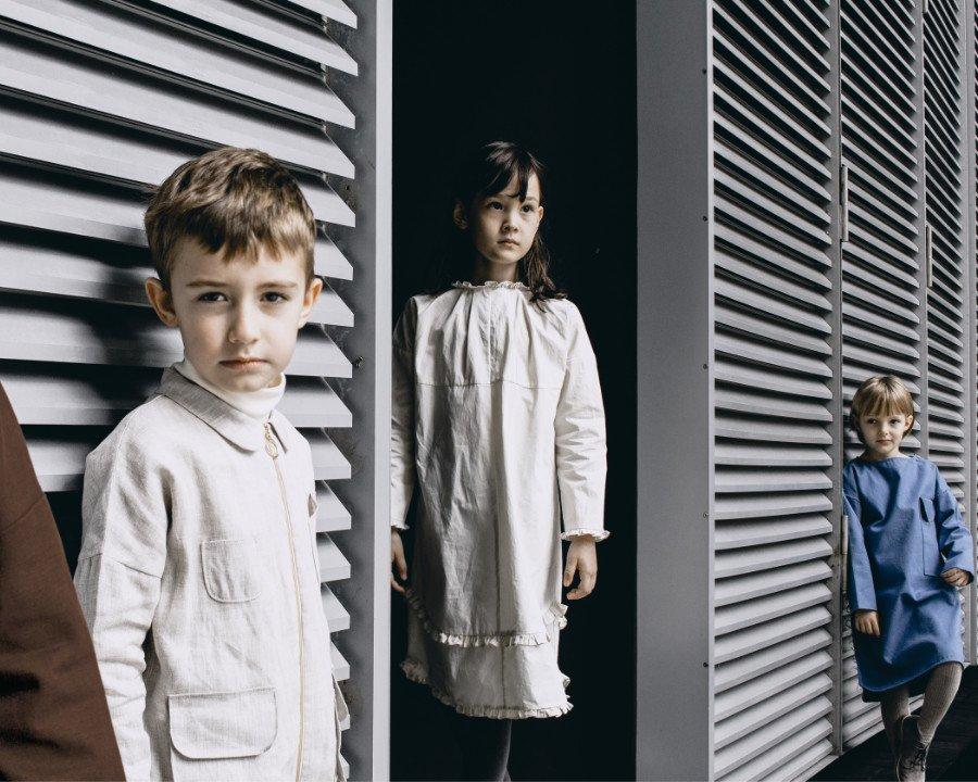 Slow Fashion mit therapeutischer Wirkung: zeitlose Kindermode von City Goats aus Bio-Textilien und den Farben der Heilkräuter