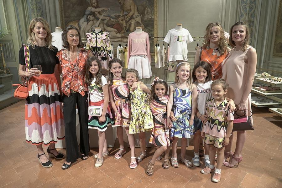 Auch Pucci-Tochter Laudomia (2. von links) erschien zur Präsentation der ersten Pucci Junior Linie – Image © Proj3ct Studio