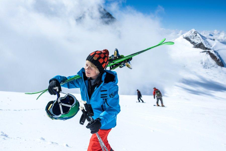 Ab auf die Piste! Die Skibekleidung für Kinder von Reima ist atmungsaktiv, wärmend und schützend zugleich