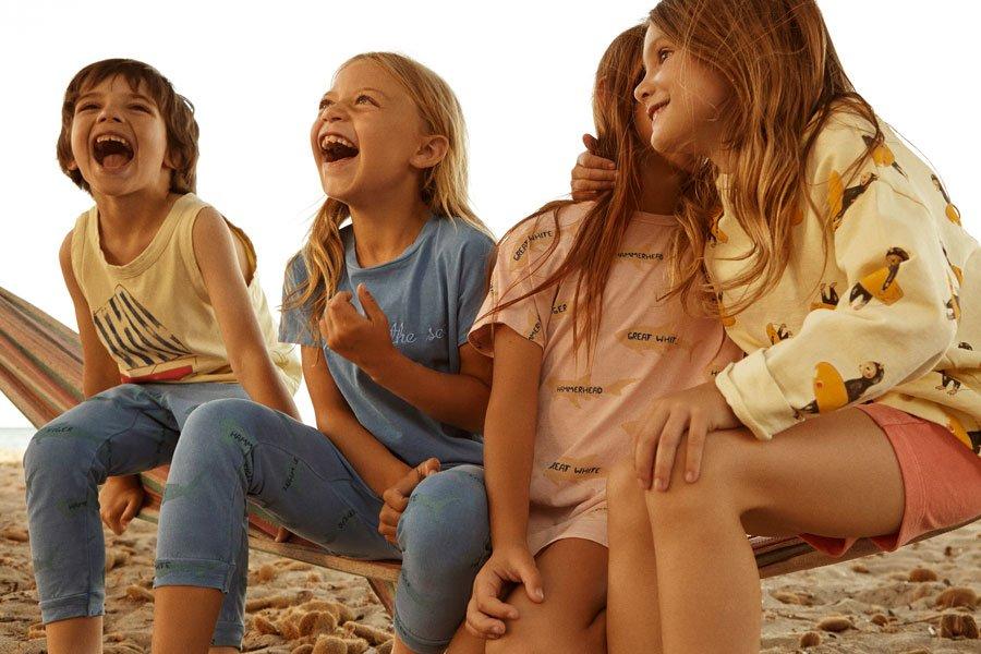 Mallorquinische Lebensfreude pur! Die Kindermode von Fresh Dinosaurs versprüht das leichte Lebensgefühl der Baleareninsel