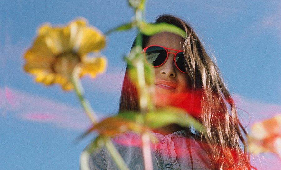 MYKITA FIRST SUN - SPARROW Fluor Red: Zieht alle Blicke auf sich