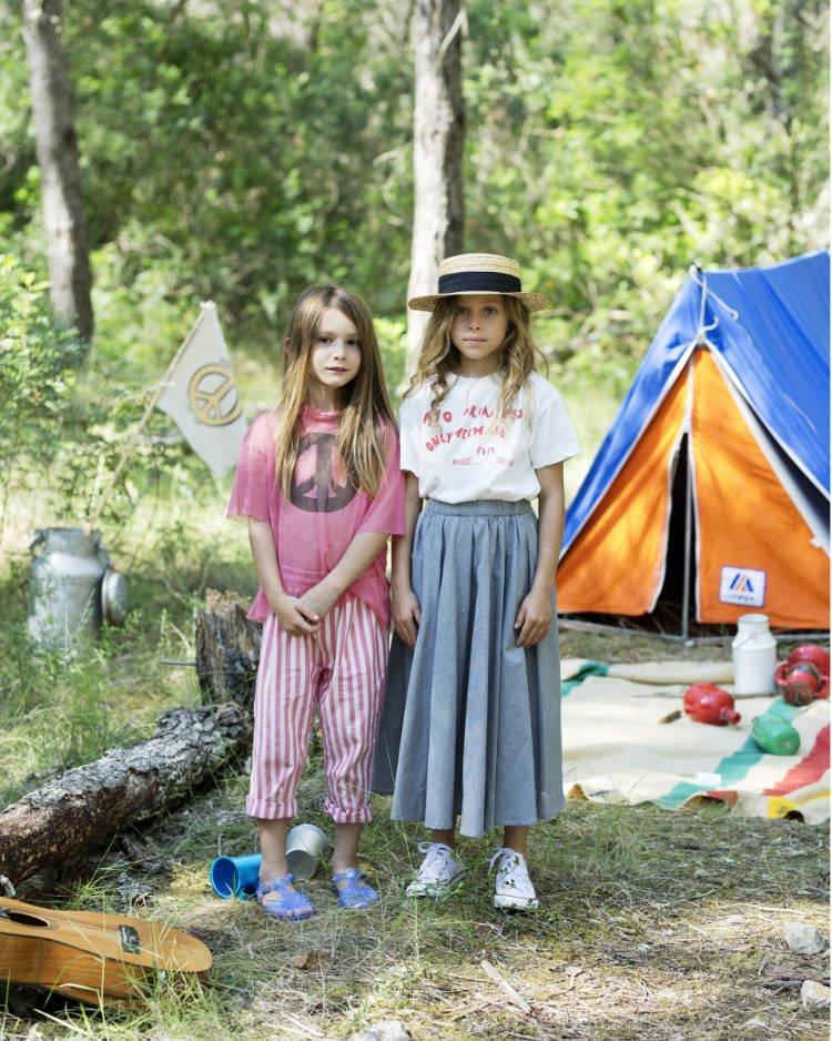 Woodstock meets Coachella: mit der Mode von Fresh Dinosaurs kommen Festival-Gefühle auf