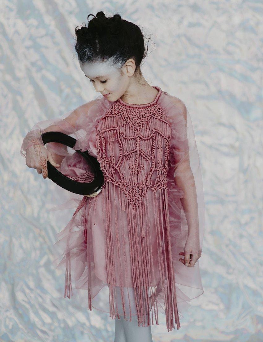 Spieglein, Spieglein in der Hand ... Wer hat das schönste Partykleid im ganzen Land?