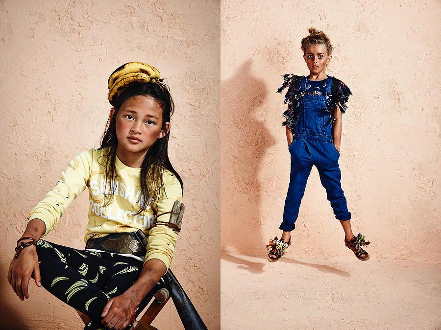 Sunshine Collector – Sweater und Leggings mit Bananen-Print, die leichte Latzhose leuchtet in kräftigem Indigoblau