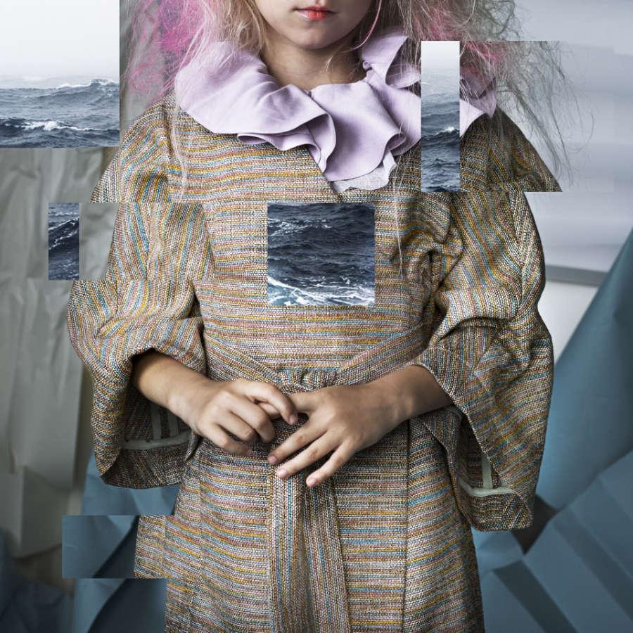 Harmonischer Kontrast zur lila Bluse: Vorbild für den Mantel Kim war der traditionelle Kimono