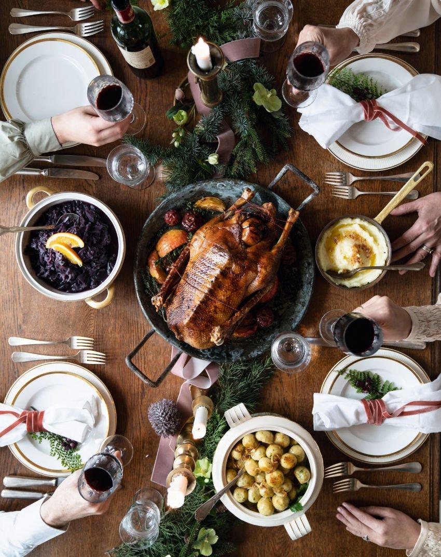 Der Star jeder Weihnachtstafel ist, na klar, die Weihnachtsgans. Im Hazelnut House serviert man sie zu Rotkohl und Walburgas Kartoffelknödeln