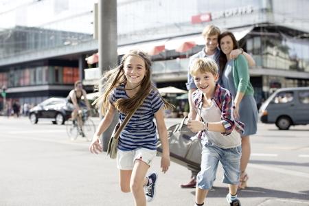 Grüezi mitanand! Auf geht's zur fröhlichen Familienfahrt!