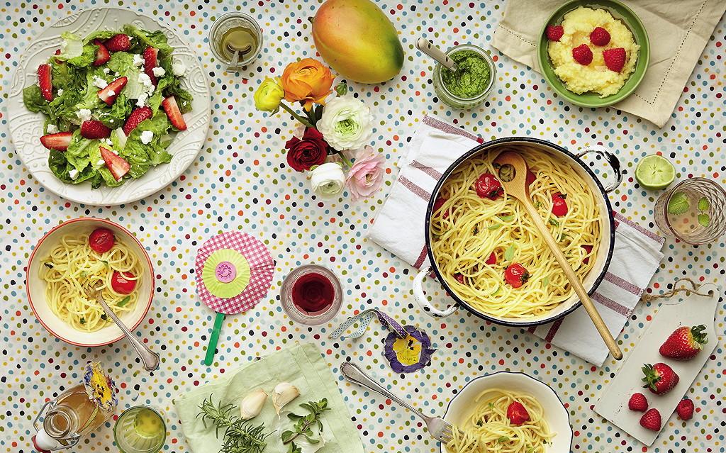 Mit seinen Farben und Düften macht der Sommer Appetit --- © Meike Bergmann, TRIAS Verlag