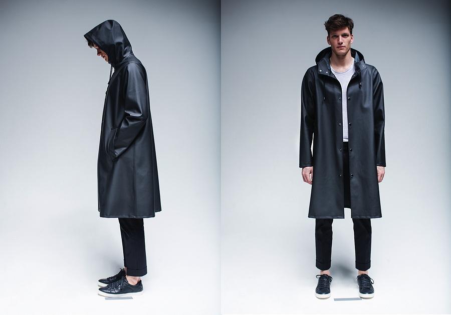 MOSEBACKE BLACK ist wie alle Stutterheim-Regenmäntel ein Unisexmodell