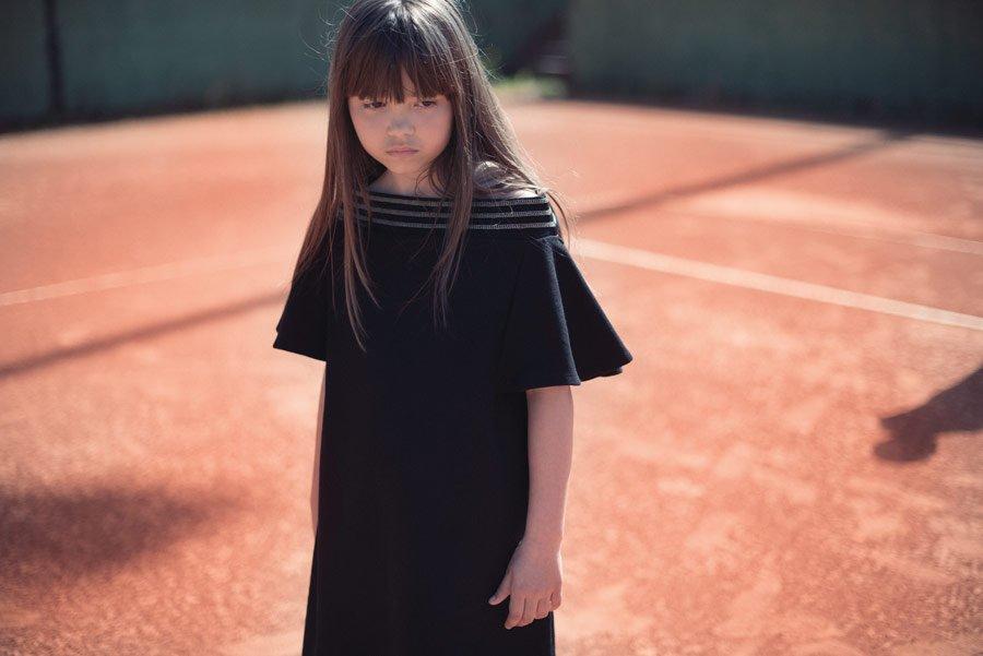 s02-maedchen-im-tennis-dress